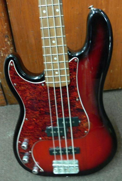 Left Handed Fender Bass : cash usa pawnshop precision bass squier by fender left handed ~ Russianpoet.info Haus und Dekorationen