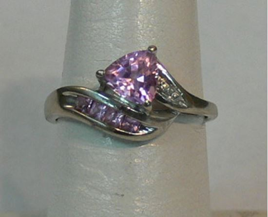 Picture of 10K WHITE GOLD RING WITH PINK STONES AND DIAMOND SZ-6.75 2.2G