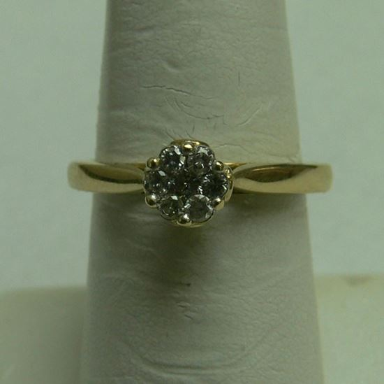 Picture of 10K YELLOW GOLD LADIES CLUSTER RING W/ DIAMONDS SZ-7 3.1G