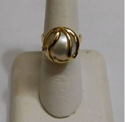 Picture of 14K GOLD MABE PEARL DIAMOND RING SIZE 6.75 6.1G