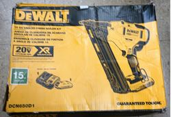 Picture of DeWALT DCN650D1 20-V Max Lithium-Ion Brushless 15-Gauge Finish Nailer NEW