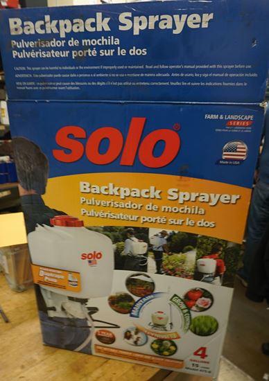 Solo 475-B Professional Diaphragm Pump Backpack Sprayer, 4-Gallon NEW OPEN  BOX