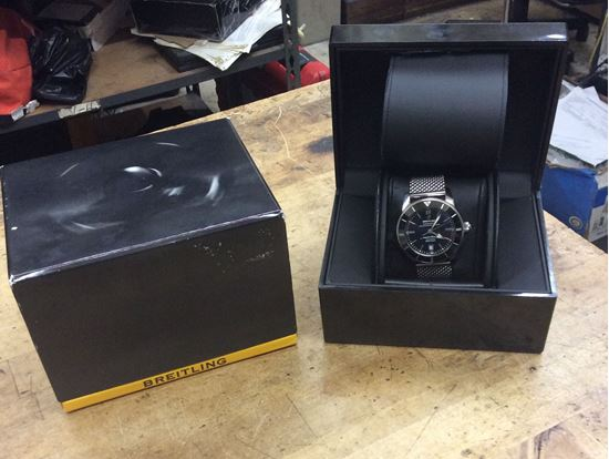 Picture of Breitling superoceanic 200m/600ft Watch pre owned mint condition . In a good working order.