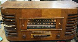Picture of VINTAGE GENERAL ELECTRIC (GE) PHONE TELEVISION FREQUENCY MODULATION FOR PARTS .