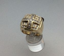 Picture of 14kt yellow gold men's ring with 17 princess cut diamonds and 20 round diamonds 2.5carat 16.5 gr size 9.5 . 800041-1