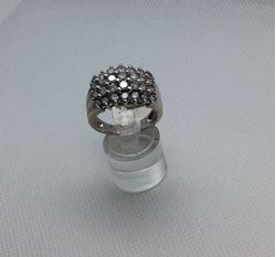 Picture of 14kt white gold ring size 10 9.4 gr with 28 round diamonds 3 carat total . 848014-