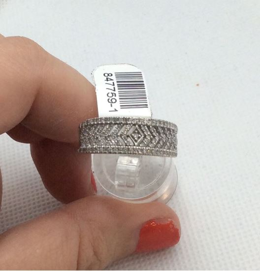 Picture of 10kt white gold fancy diamond band with 129 small round diamonds 0.50 carat 4.5 gr 847759-1