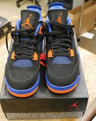 """Picture of NIKE AIR JORDAN 4 RETRO IV """"CAV""""  308497-027 2012 Size 9.5 PRE OWNED . VERY GOOD CONDITION."""